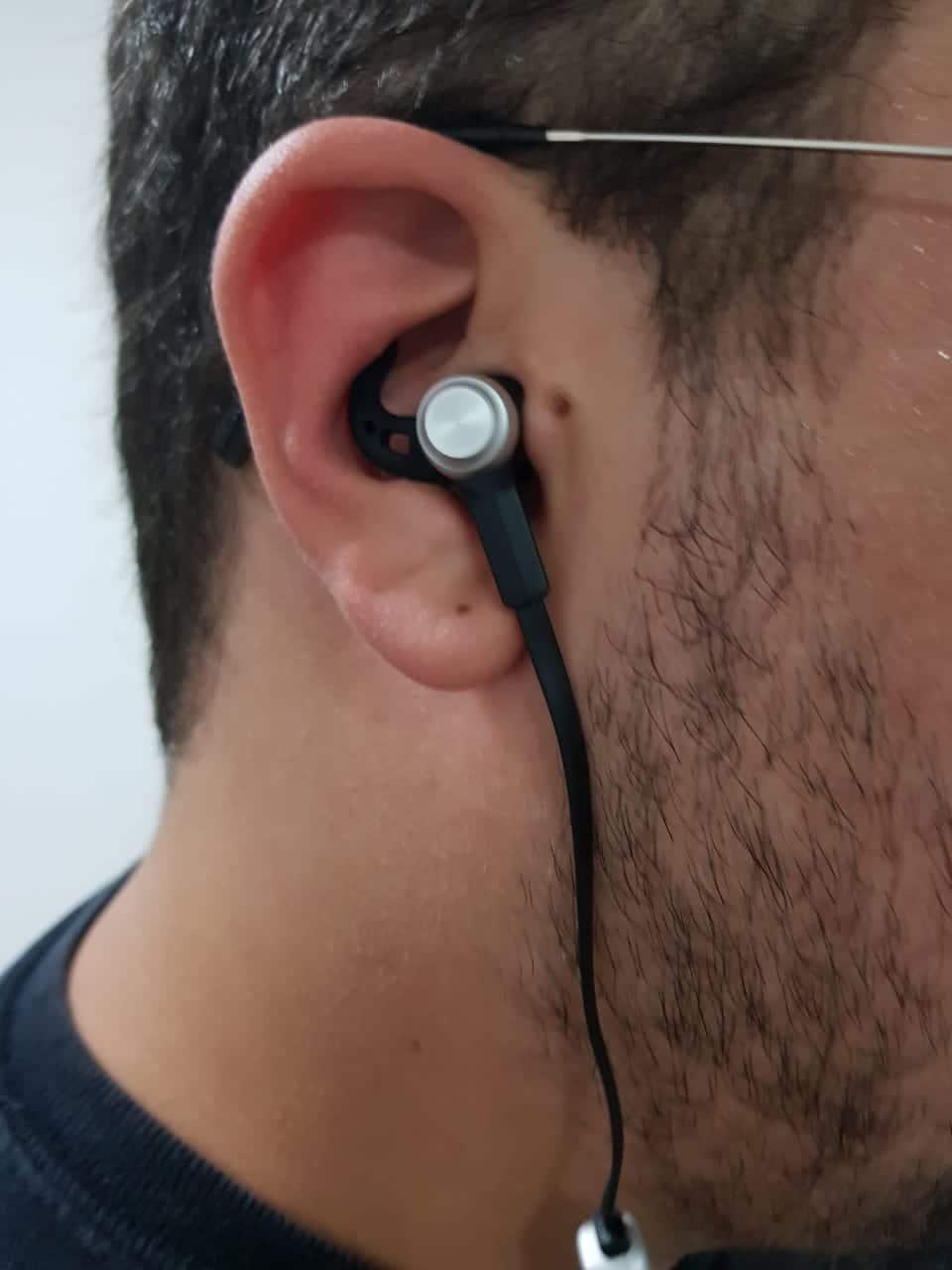 encaixe fone de ouvido
